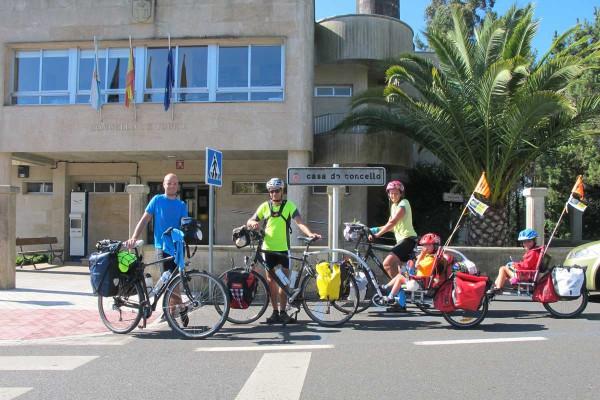 ciclistas3A0D0DCB3-746E-6FD1-2274-8F526A523676.jpg