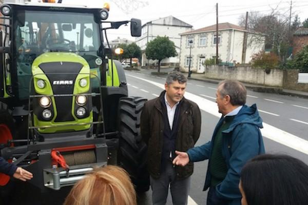 tractor-touro-29BF16464-478F-5D1F-86F0-22DE937114D9.jpg