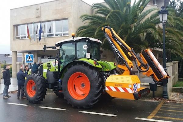 tractor-touro-3E6926F54-155F-B257-D42B-6CB42D6BEE67.jpg